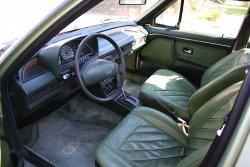 Audi_100_Interior.jpg