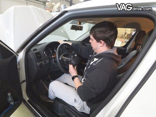 5_Skoda_Yeti_cruise_control_multi_steeringwheel.jpg