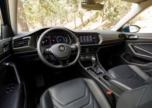 Volkswagen_Jetta_2018-2019-019.jpg