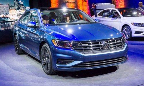 Volkswagen_Jetta_2018-2019-025.jpg
