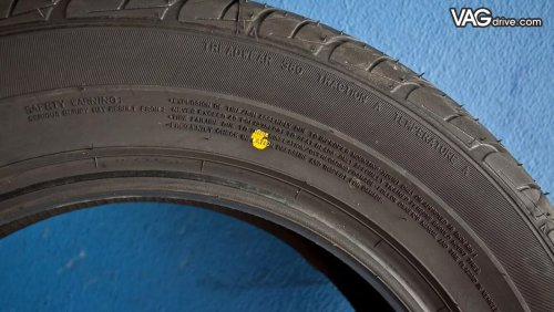 Yellow_point_on_tyre.jpg
