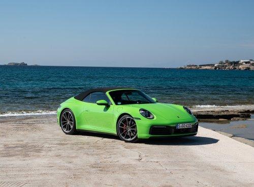 2020-Porsche-911-Carrera-S-Cabriolet-Color-Lizard-Green-Front-Three-Quarter-Wallpaper-5.jpg