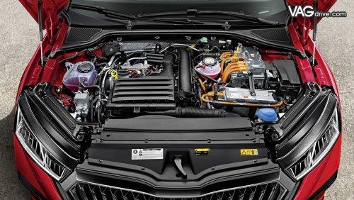 Skoda Octavia A8 RS iV_engine.jpg